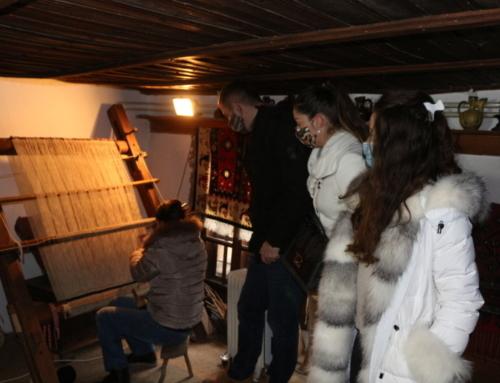 Tkanje pirotskog ćilima u stalnoj postavci Muzeja Ponišavlja